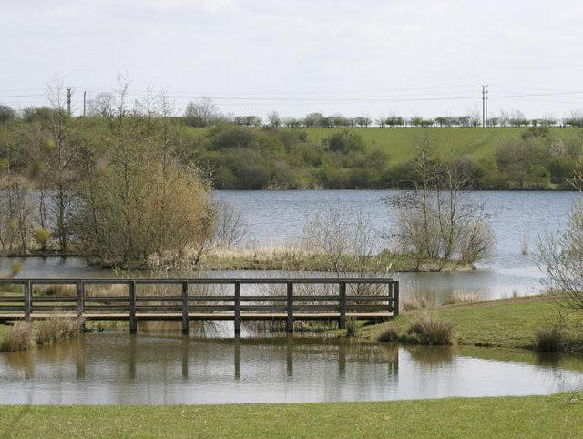 Crown Lakes Country Park, Farcet, Cambridgeshire - geograph.org.uk - 63869