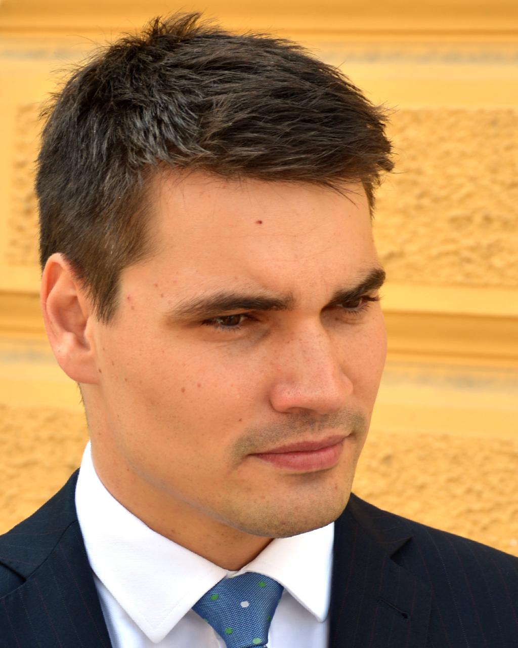 Moderator Daniel