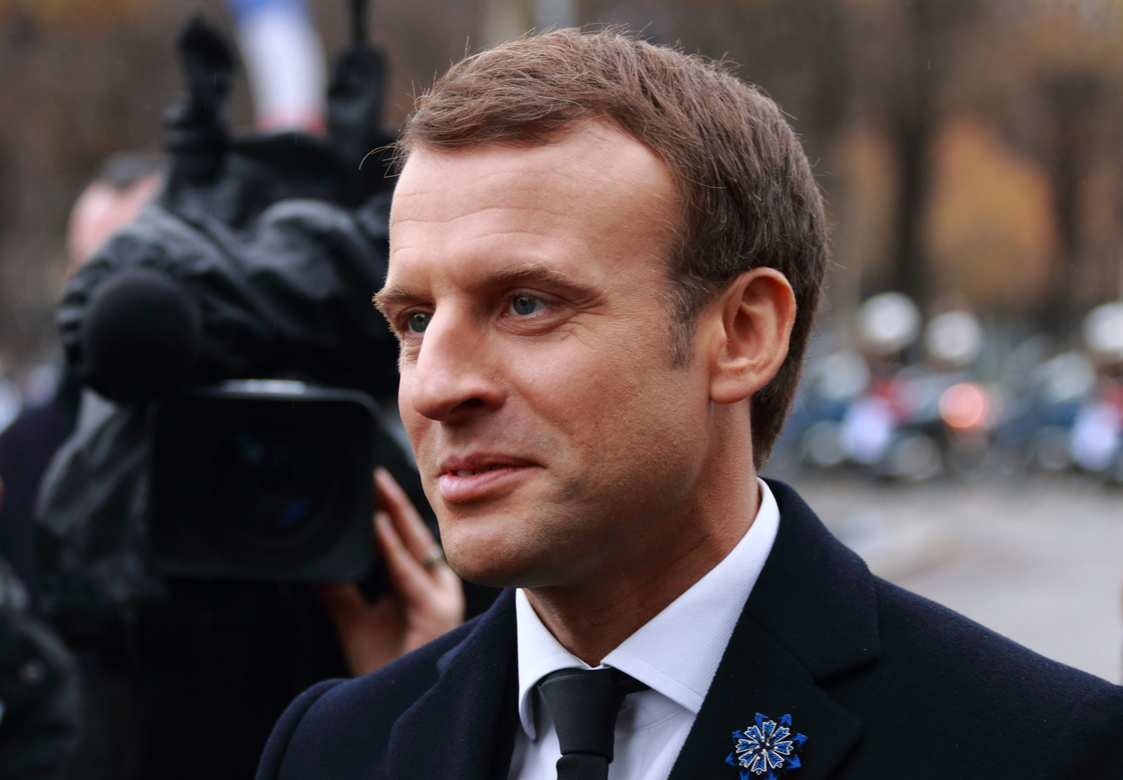 Better take the Vespa to the brasserie today Remi Jouan, Emmanuel Macron (6), CC BY 4.0
