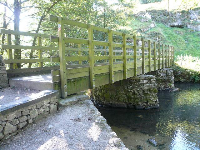 Frank-i'-th'-rocks footbridge over River Dove - geograph.org.uk - 559583