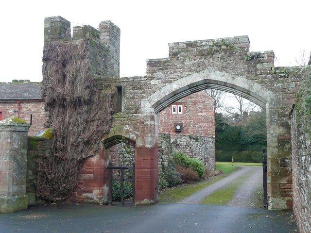 File:Gateway to The College, Kirkoswald - geograph.org.uk - 1143325.jpg