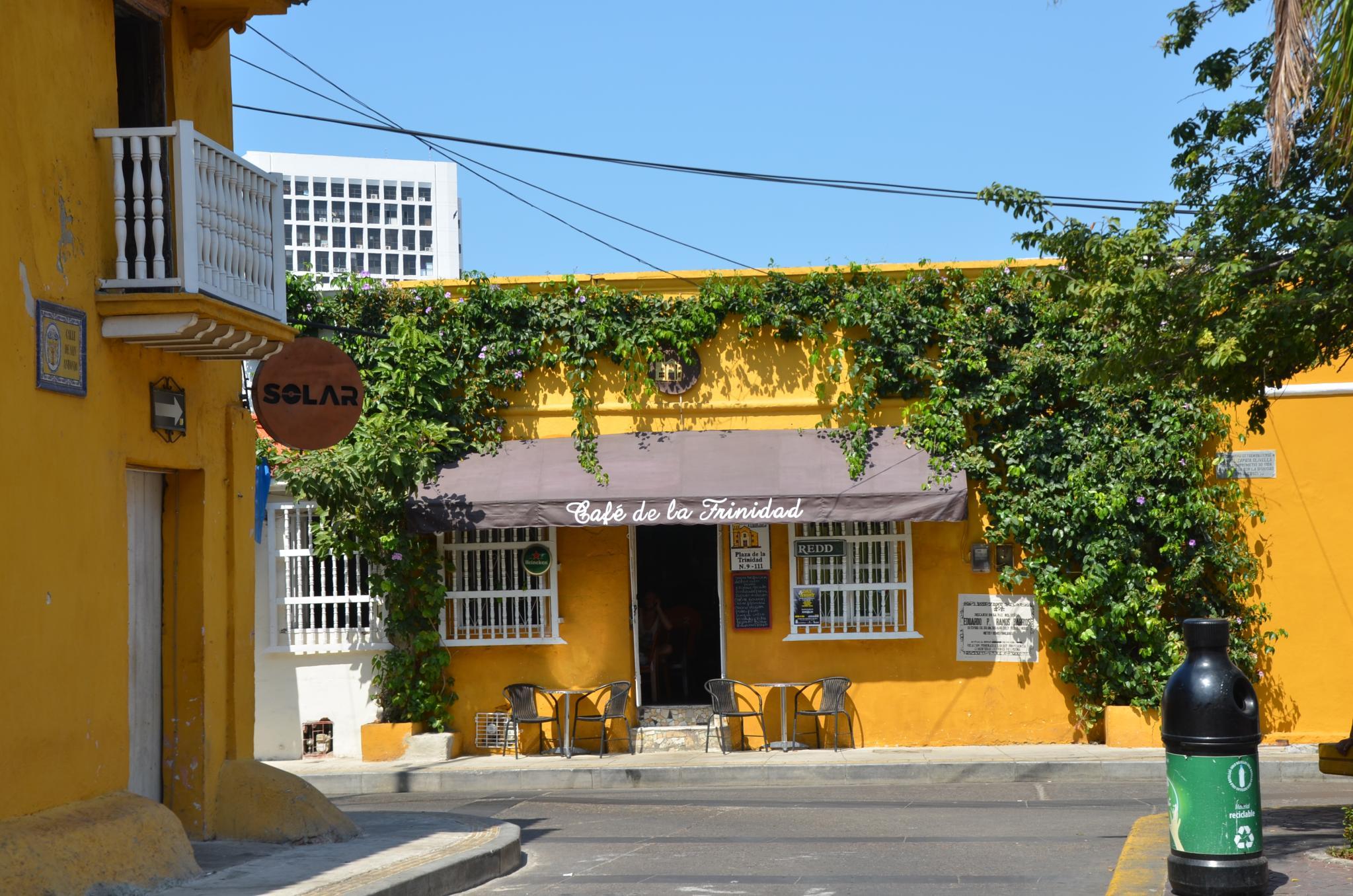 File Getsemani Street Scene Cartagena Colombia 24559387856 Jpg Wikimedia Commons