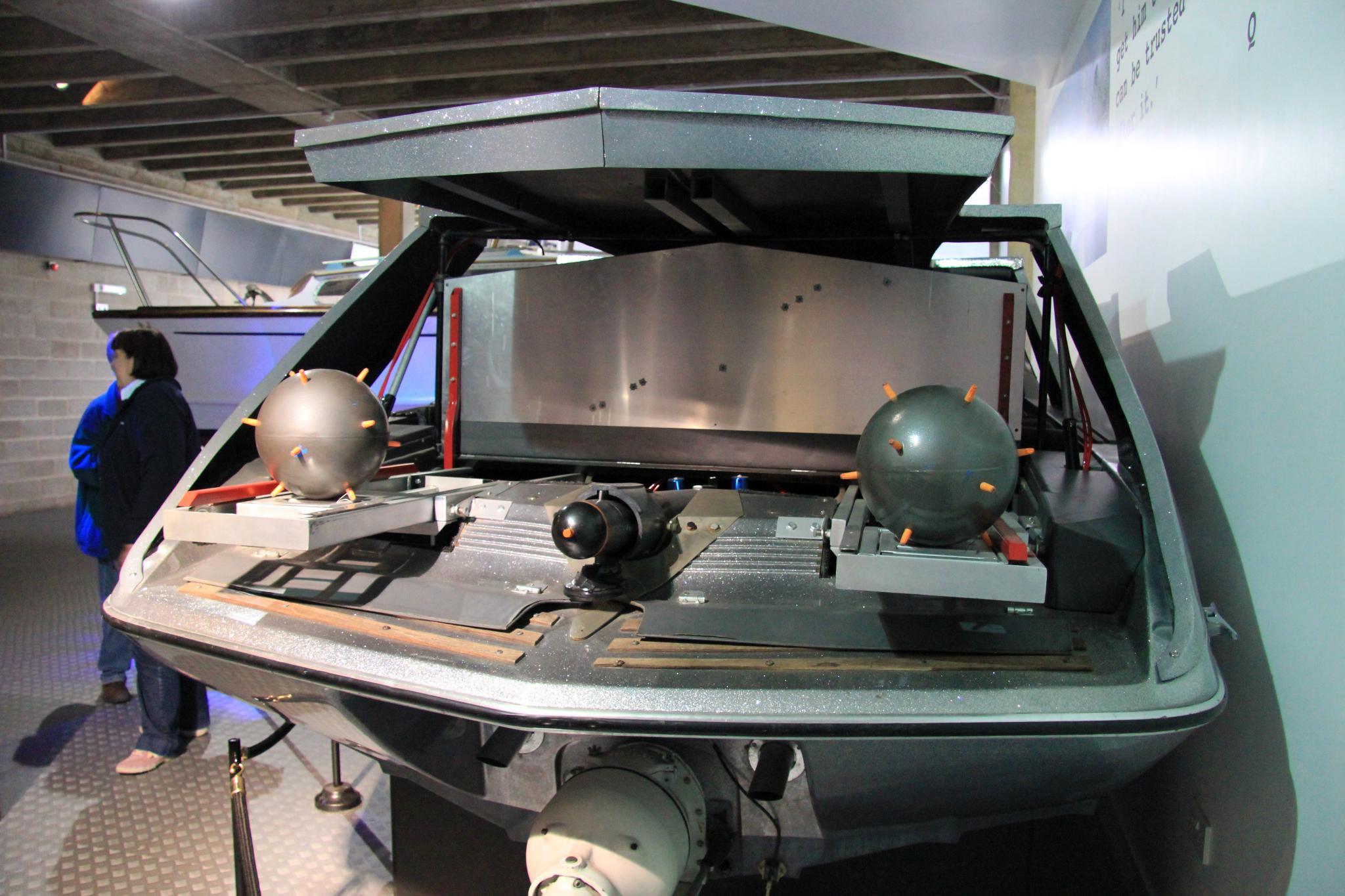 File Glastron Carlson Cv 23ht Speedboat Moonraker Rear
