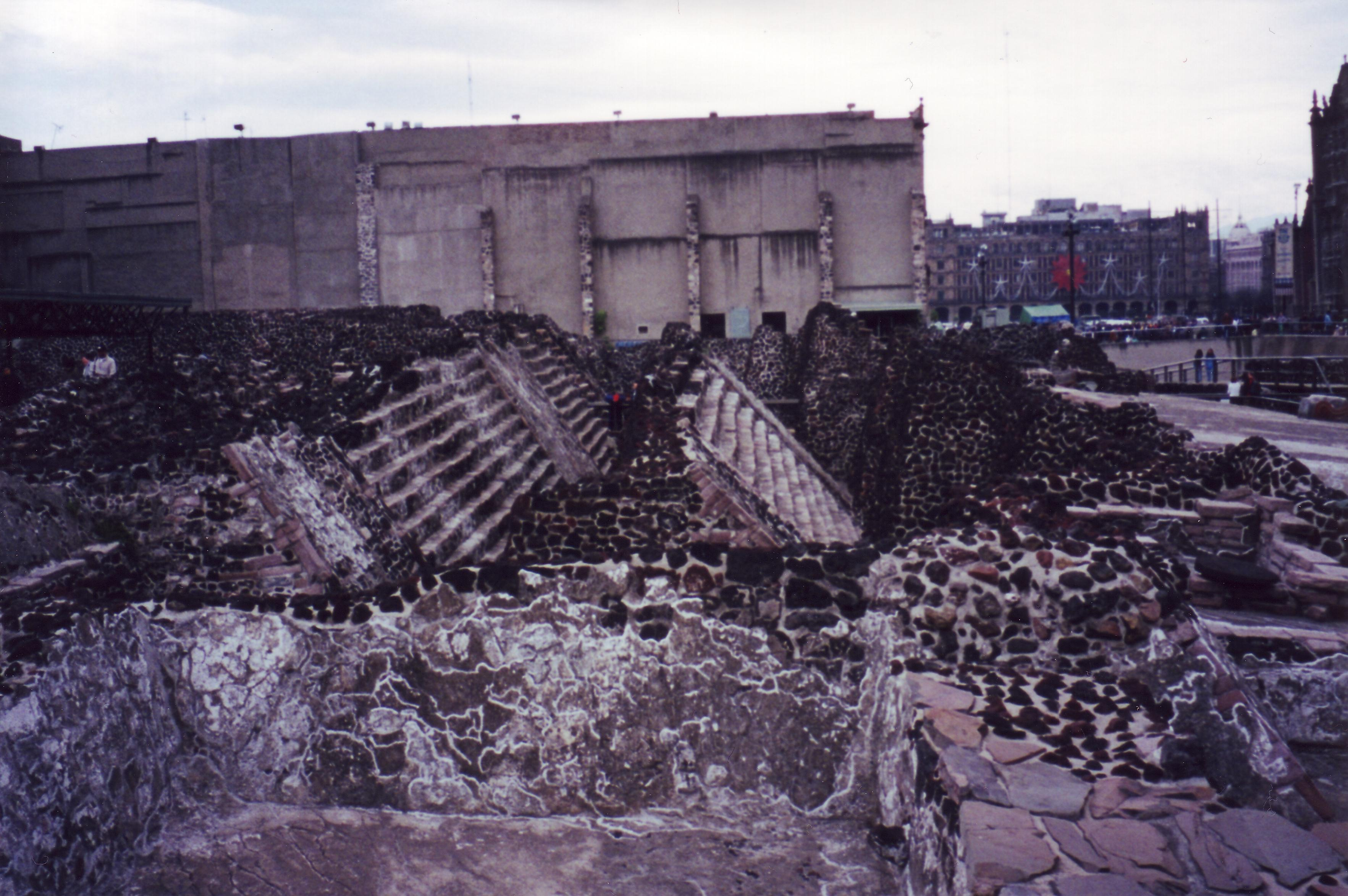 Top 10 Things to Know About the Aztecs and Their Empire  |Tenochtitlan Ruins