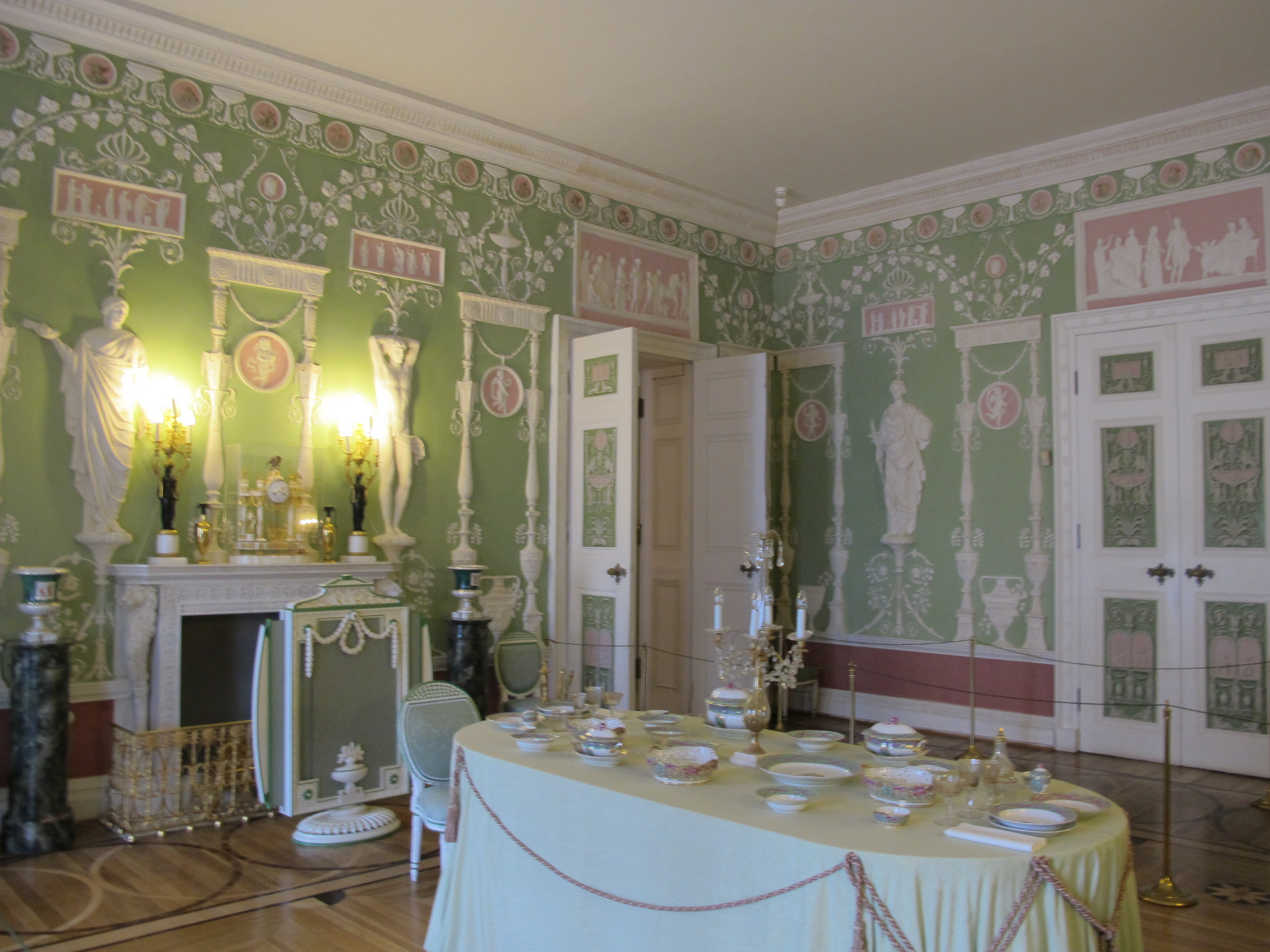 File:Green Dining Room Of The Catherine Palace 02.JPG