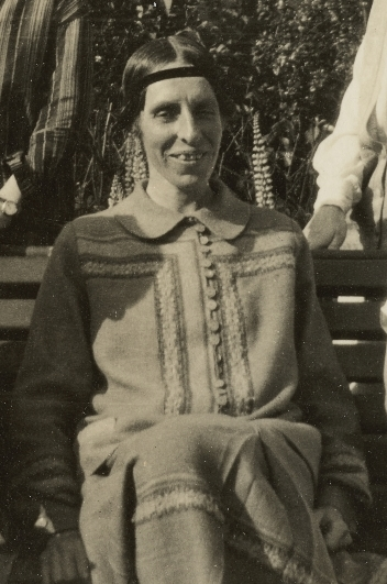 Group photograph of Marjorie Rackstraw with four other women (cropped).jpg