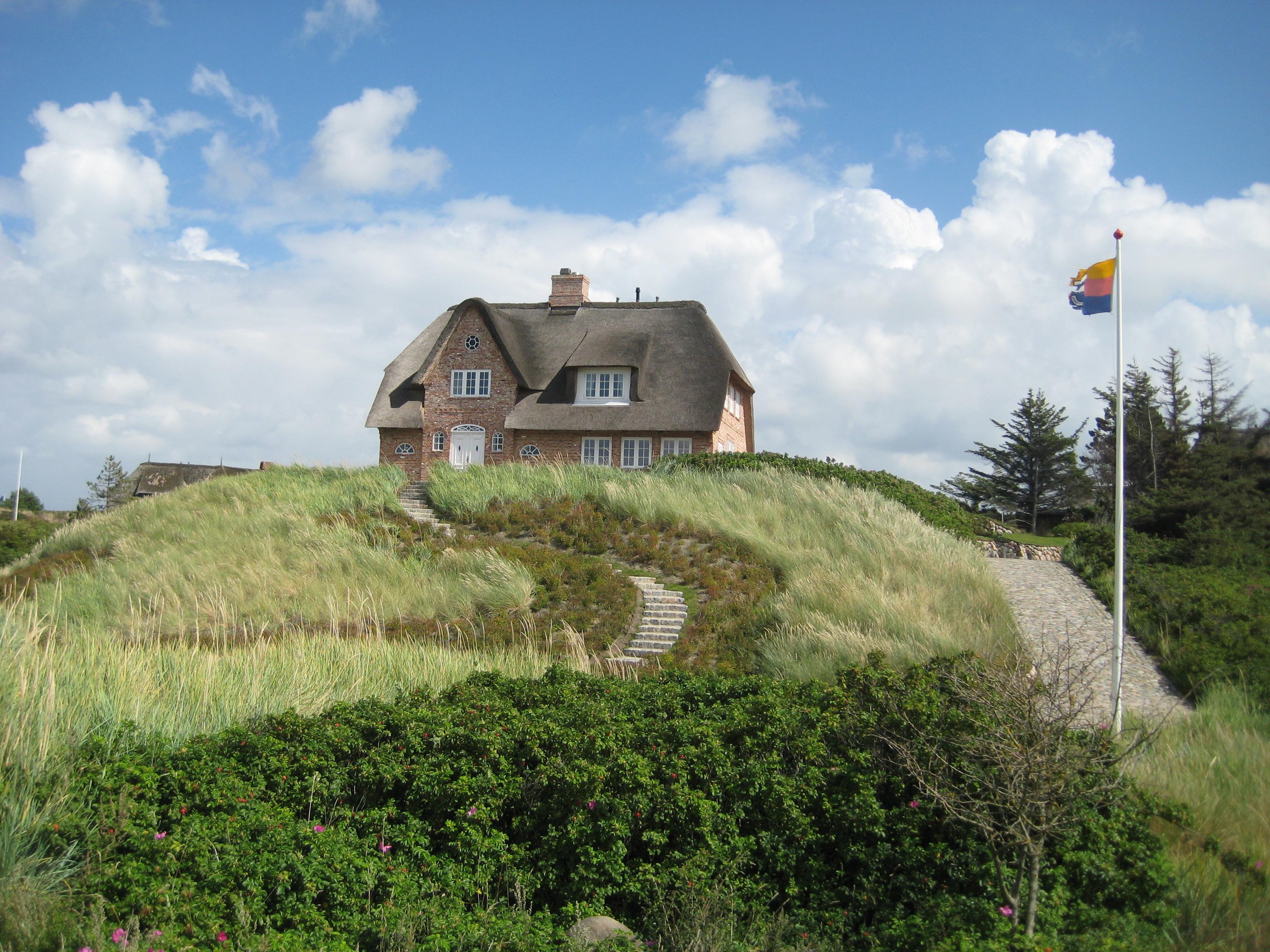 File Haus mit Reetdach auf Sylt JPG Wikimedia mons