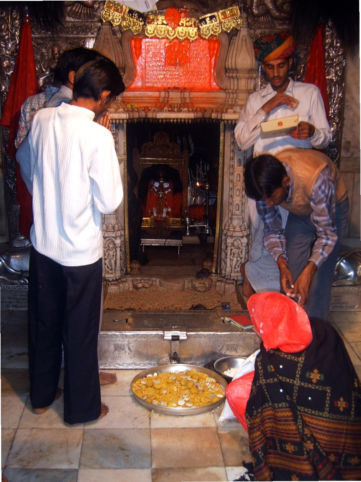 Karni-Mata-Tempel – Wikipedia