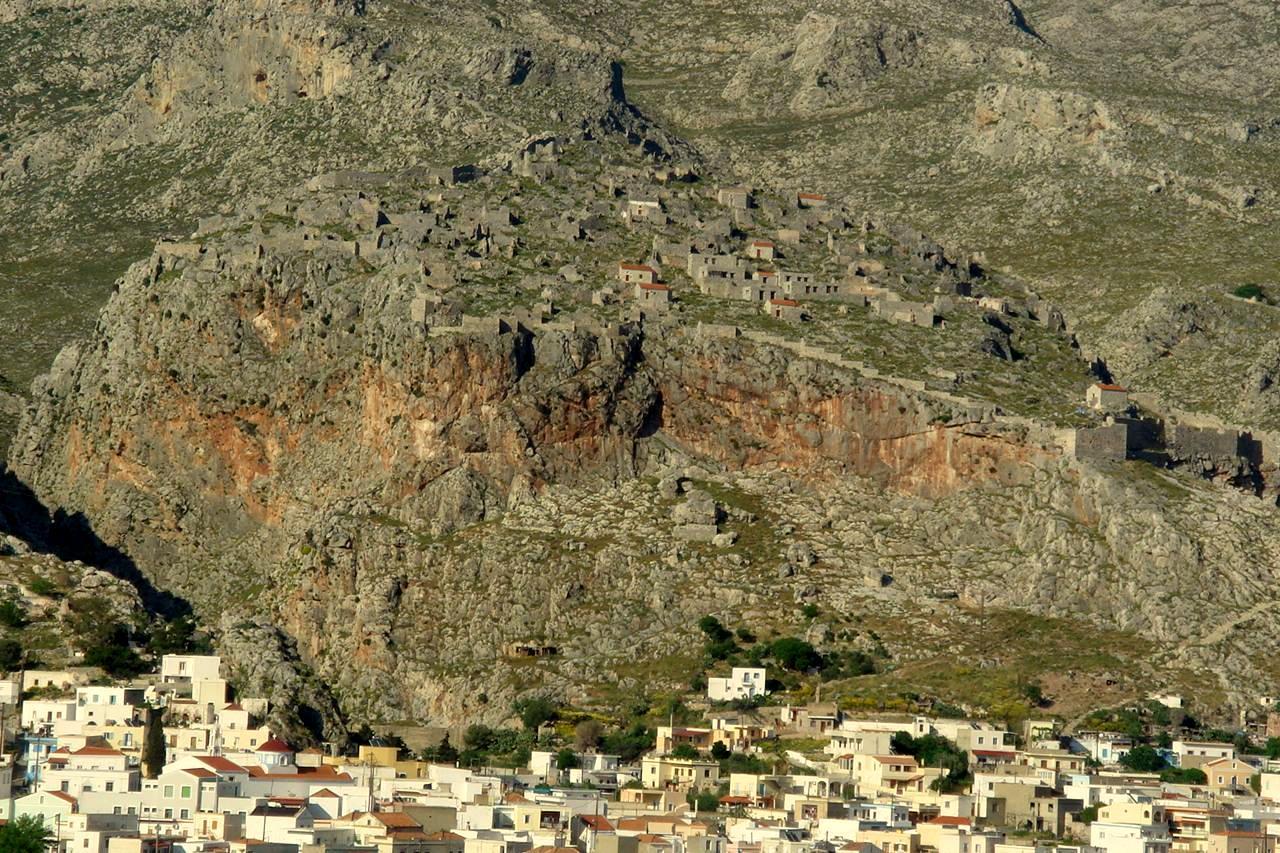 File:Kastro tou Choriou.JPG - Wikimedia Commons