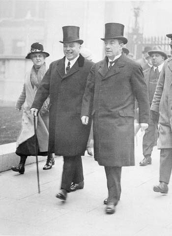 W. L. Mackenzie King, Prime Minister of Canada (left) and Baldwin at the Imperial Conference, October 1926 KingBaldwin1926.jpg