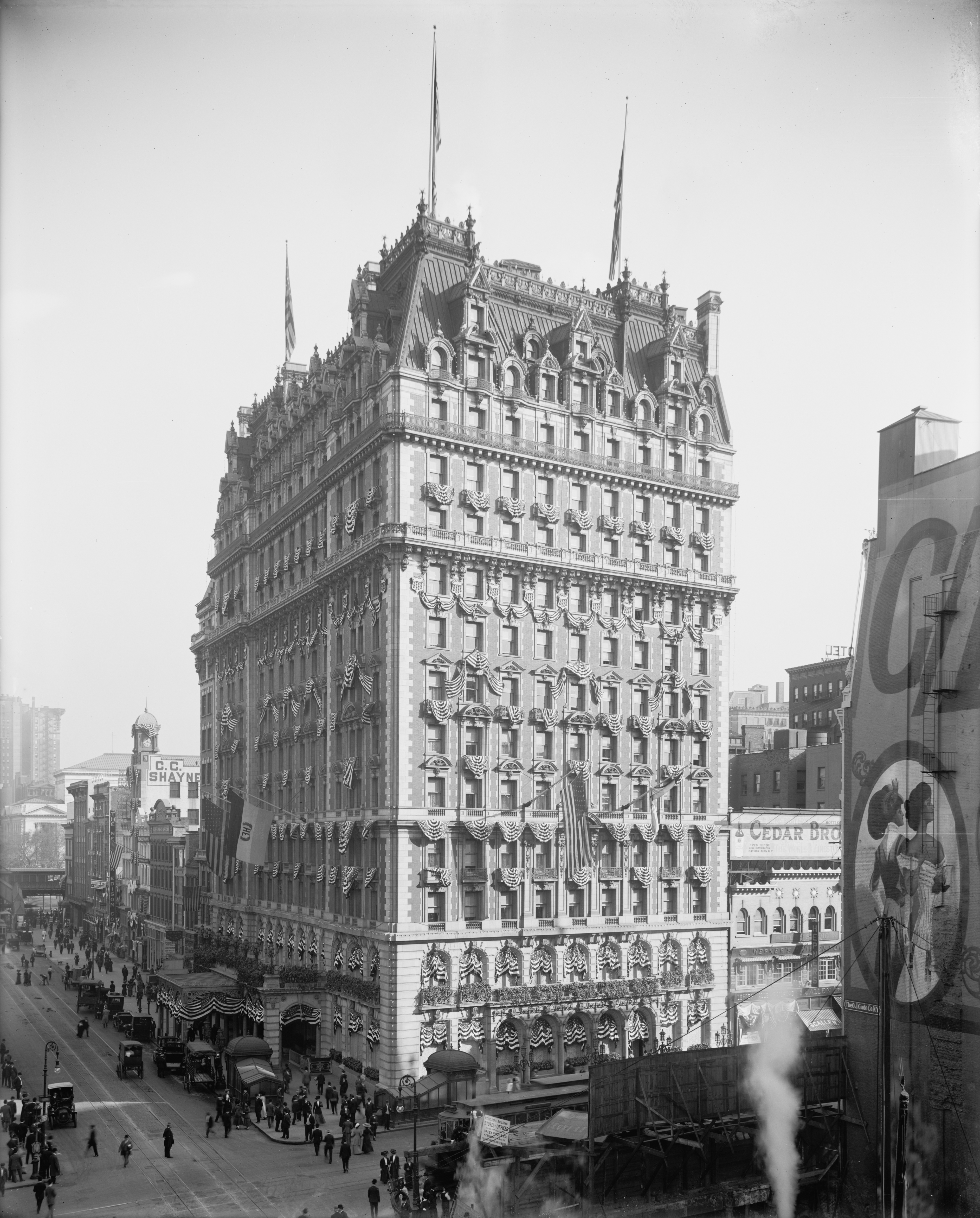 18 And Older Hotels In New York: The Secret Entrance To The Knickerbocker Hotel