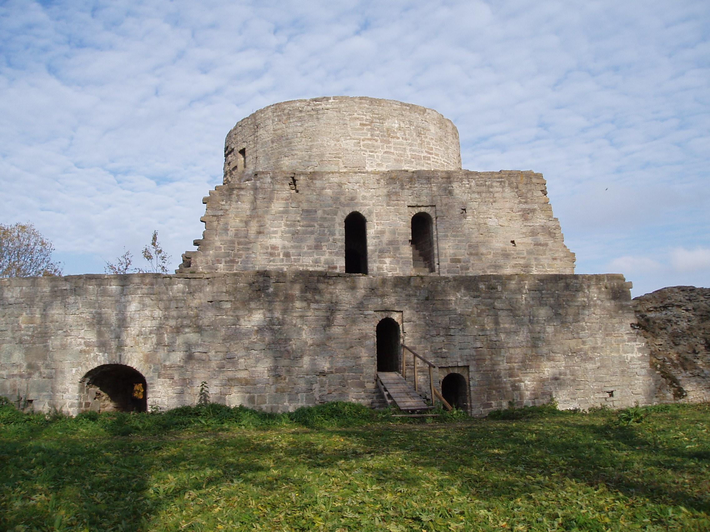 File Koporye fortress ...