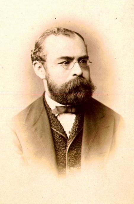 http://upload.wikimedia.org/wikipedia/commons/d/d5/LSR_1874.jpg