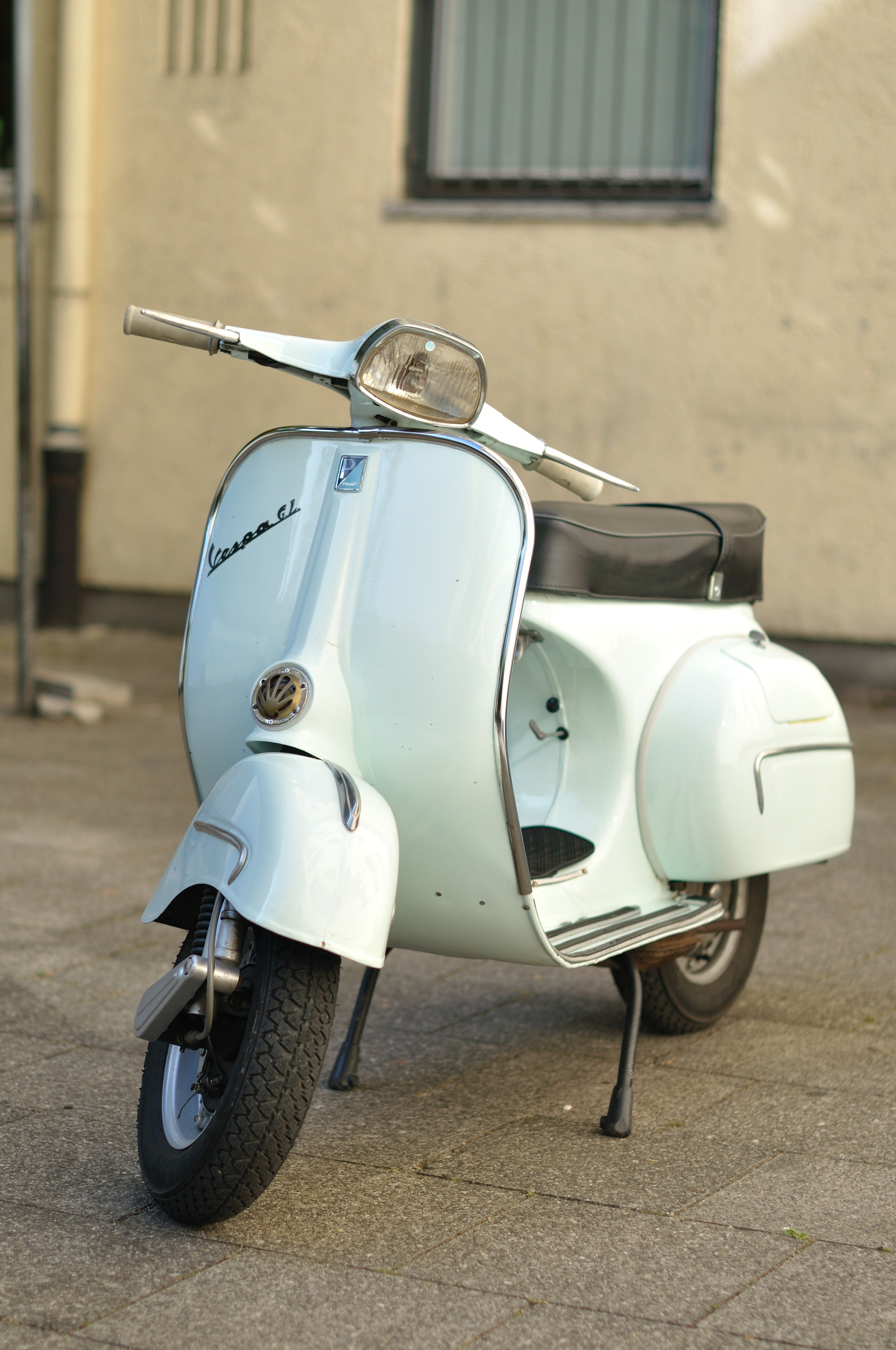 file light blue vespa gl wikimedia commons. Black Bedroom Furniture Sets. Home Design Ideas