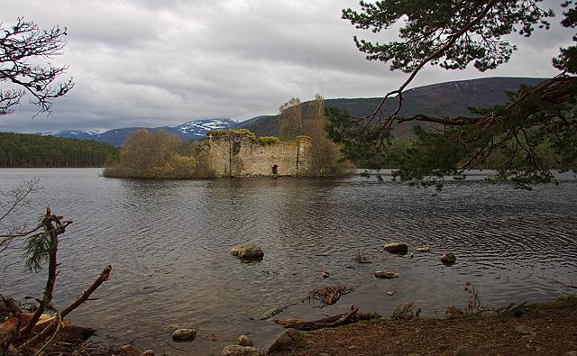 Loch an Eilein Castle - geograph.org.uk - 1870509
