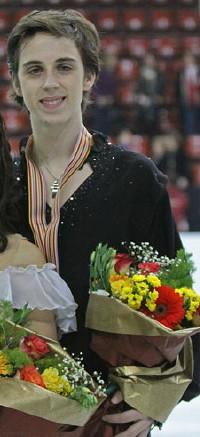 Madison Chock & Greg Zuerlein Podium 2009 Junior Worlds (cropped) - Zuerlein.jpg