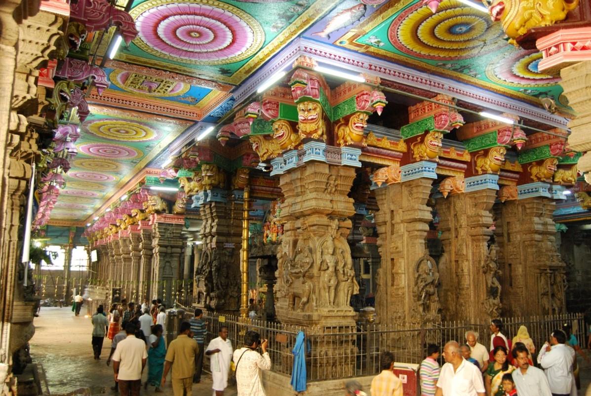 File:Madurai Meenakshi Amman Temple Sannathi.jpg - Wikimedia Commons