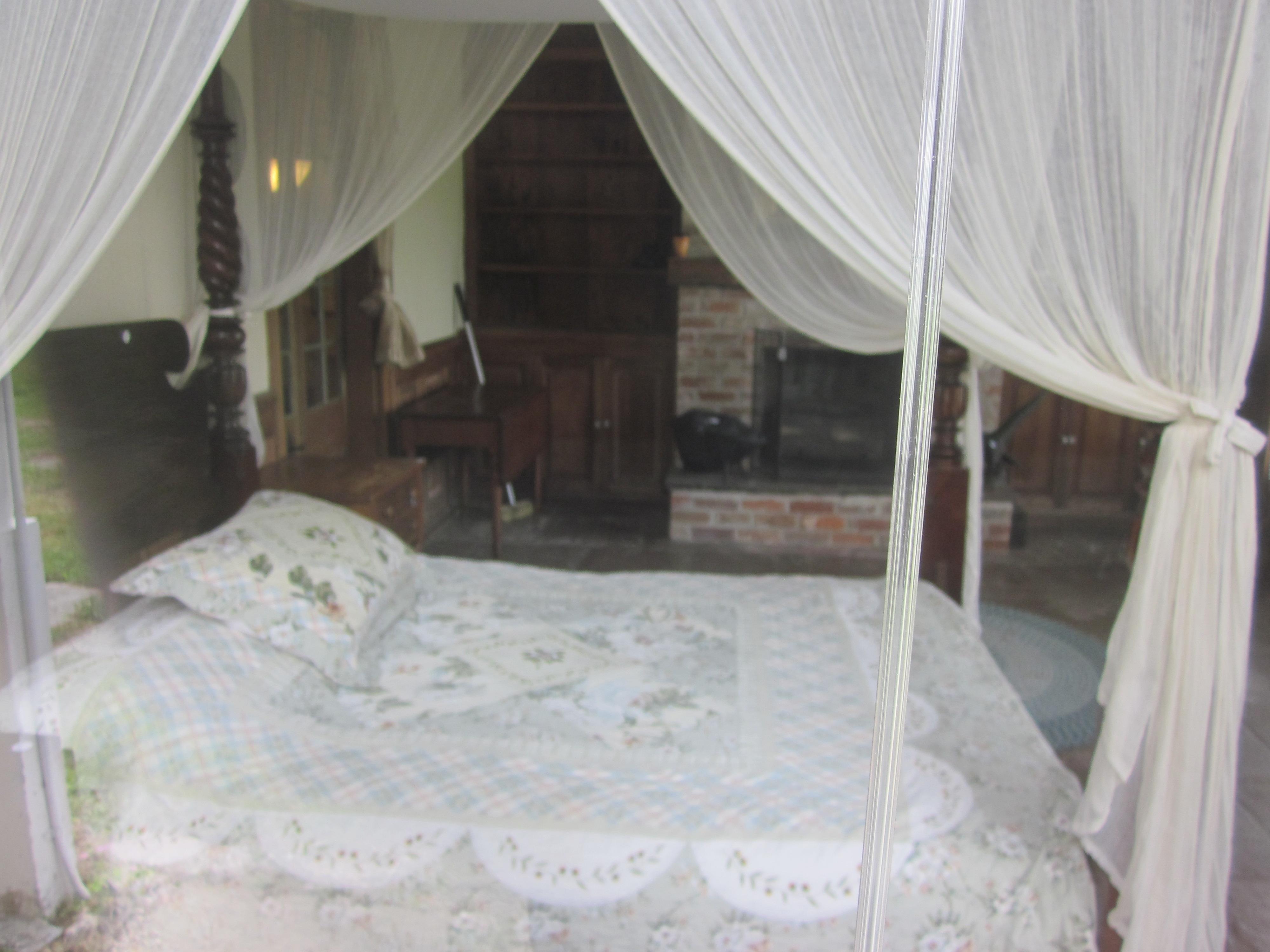 mary plantation guest house inside bedroom jpg wikimedia commons