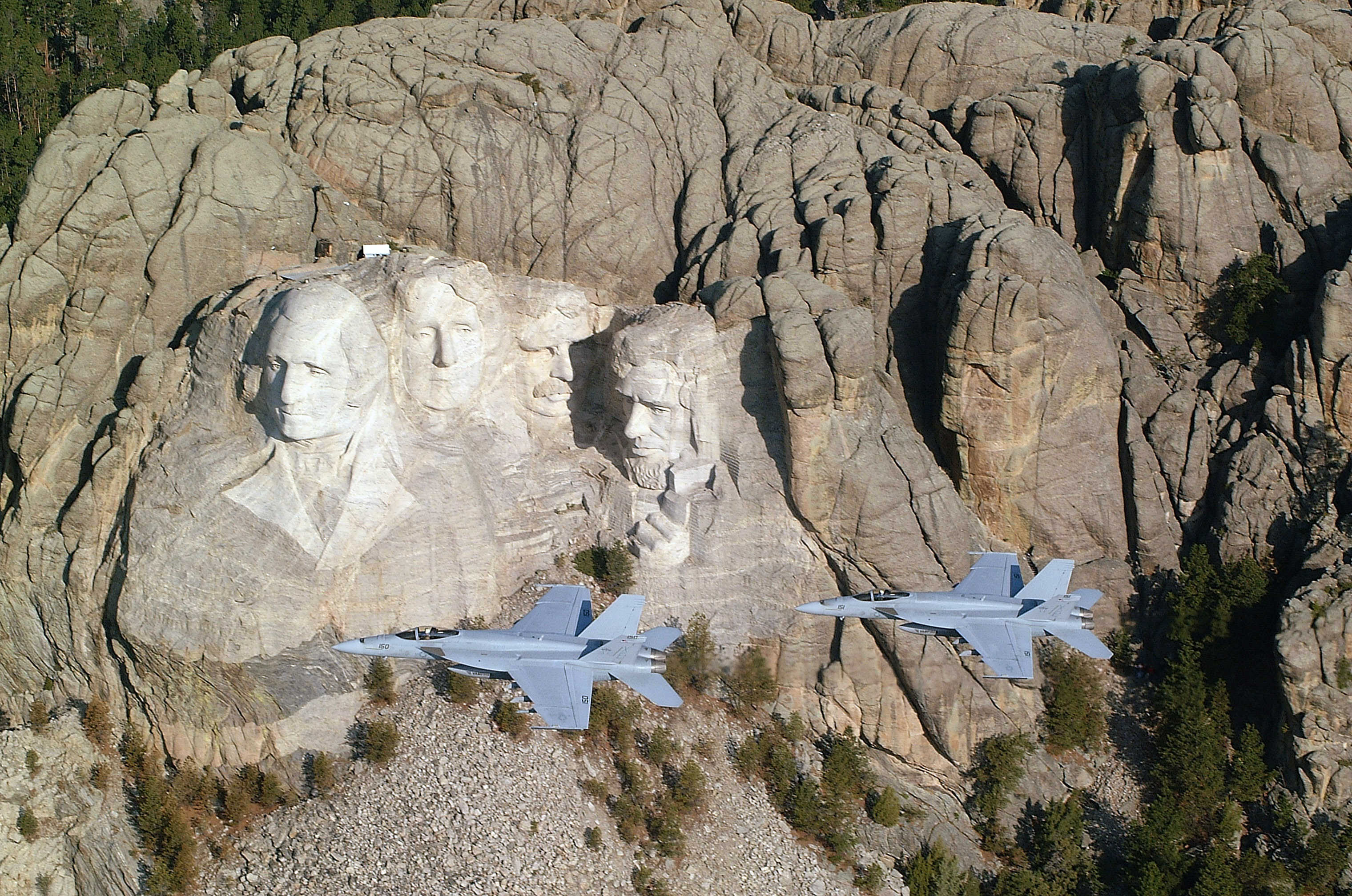 Worksheet Building Mount Rushmore carved by dynamite massive founding fathers at mt rushmore 34 pics u s navy photo 8 lt anthony dobson