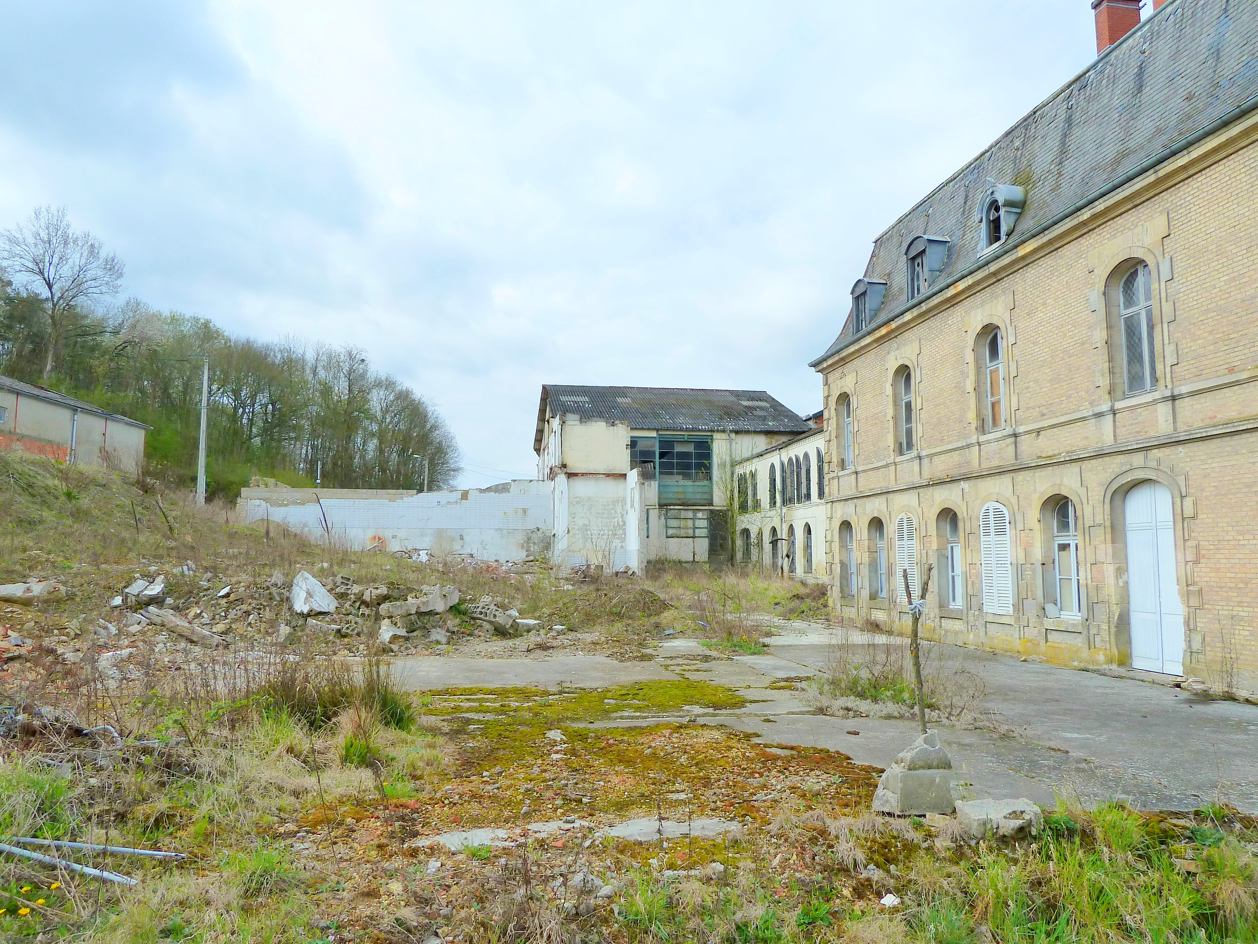 file noyers auz 233 court 55 la maison du val ruines de l ancienne fromagerie jpg wikimedia commons