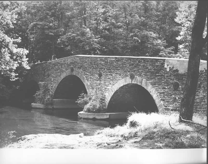 File:Pond Mill Bridge jpg - Wikimedia Commons