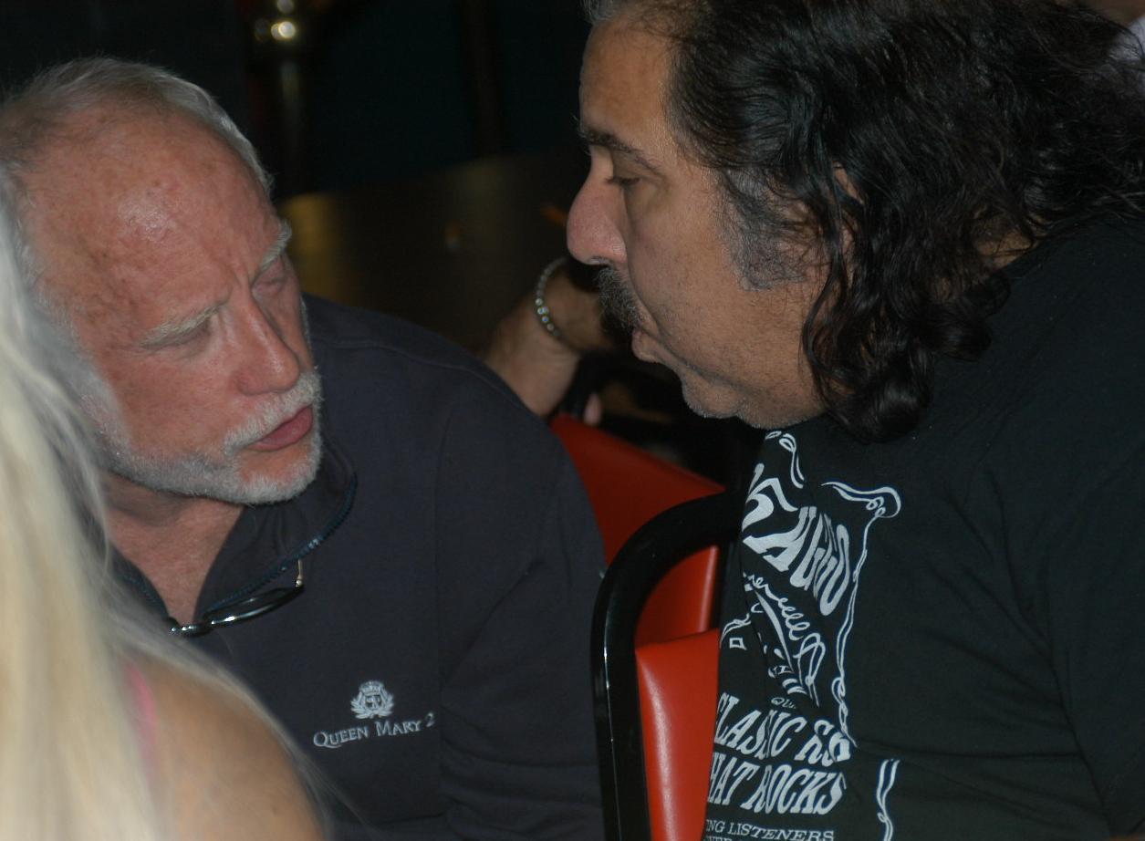 File:Richard Dreyfuss, Ron Jeremy Porn Star Karaoke 2005-11-01 5