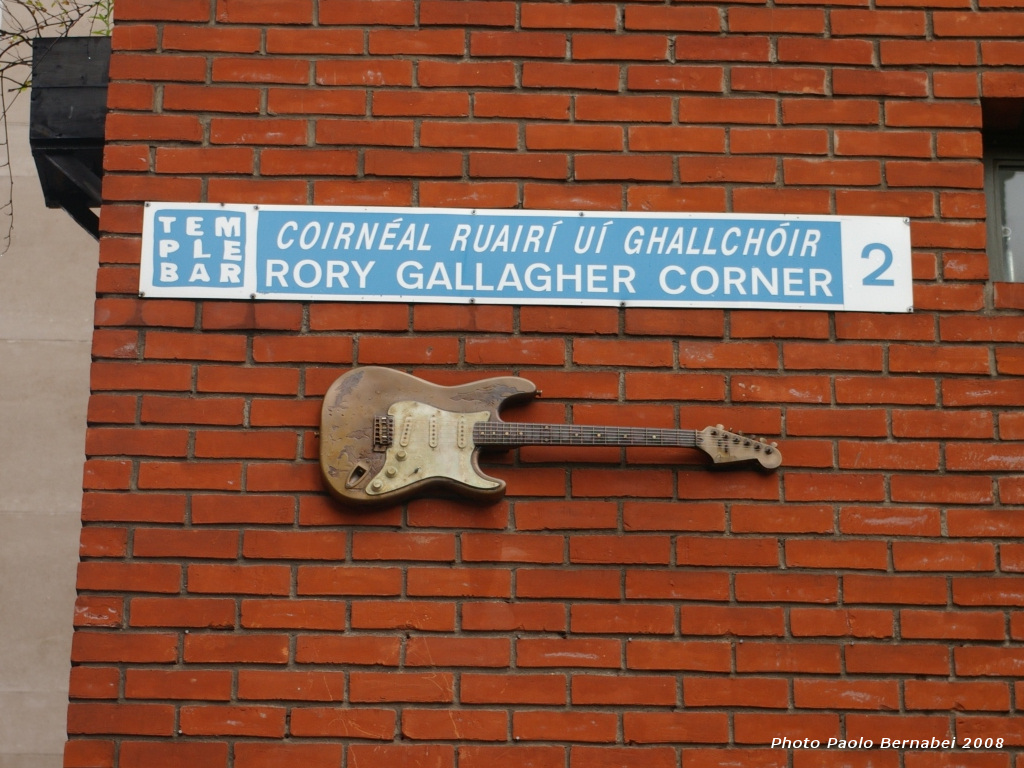 Rory_Gallagher_Corner_Dublin.JPG