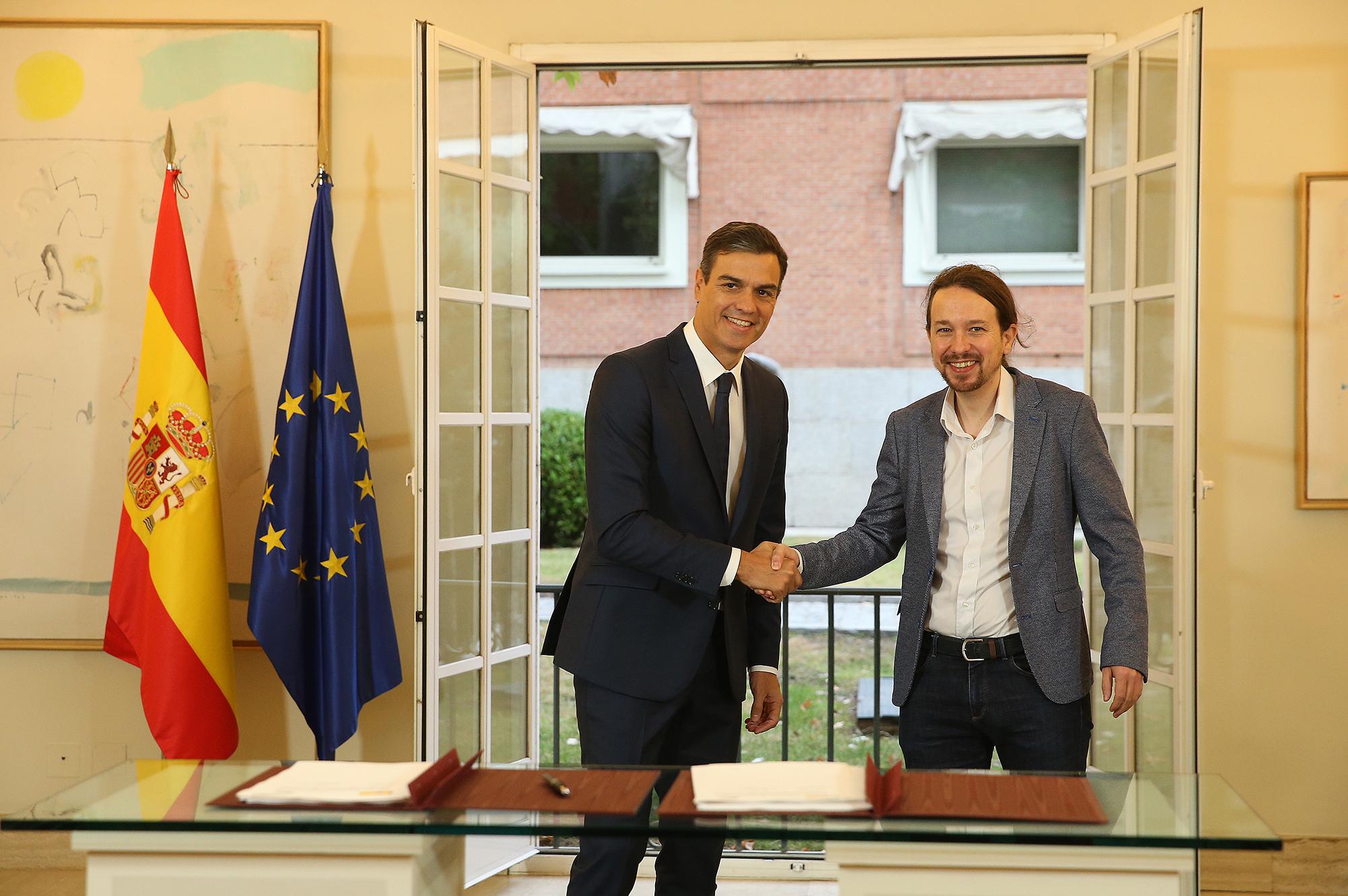 File:Sánchez e Iglesias firman un acuerdo para los PGE 2019.jpg - Wikimedia  Commons