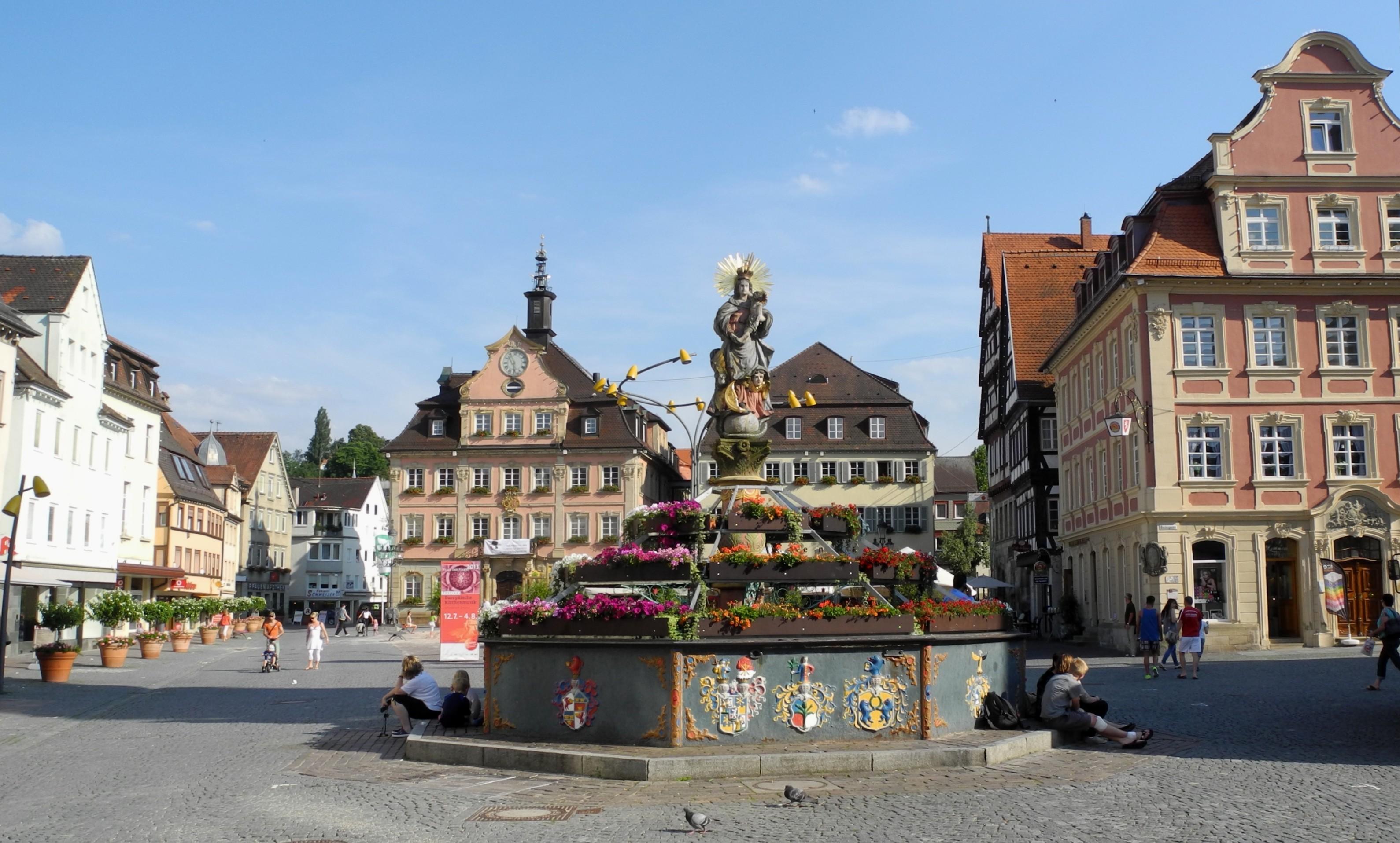 File schw bisch gm nd marktplatz mit rathaus ab 1760 03 for Produktdesign schwabisch gmund