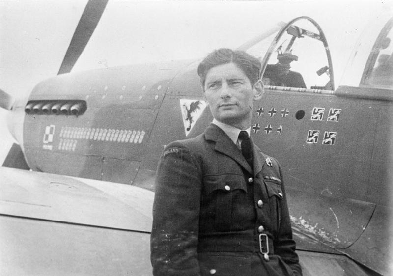 Squadron_Leader_Horbaczewski_of_315_Poli