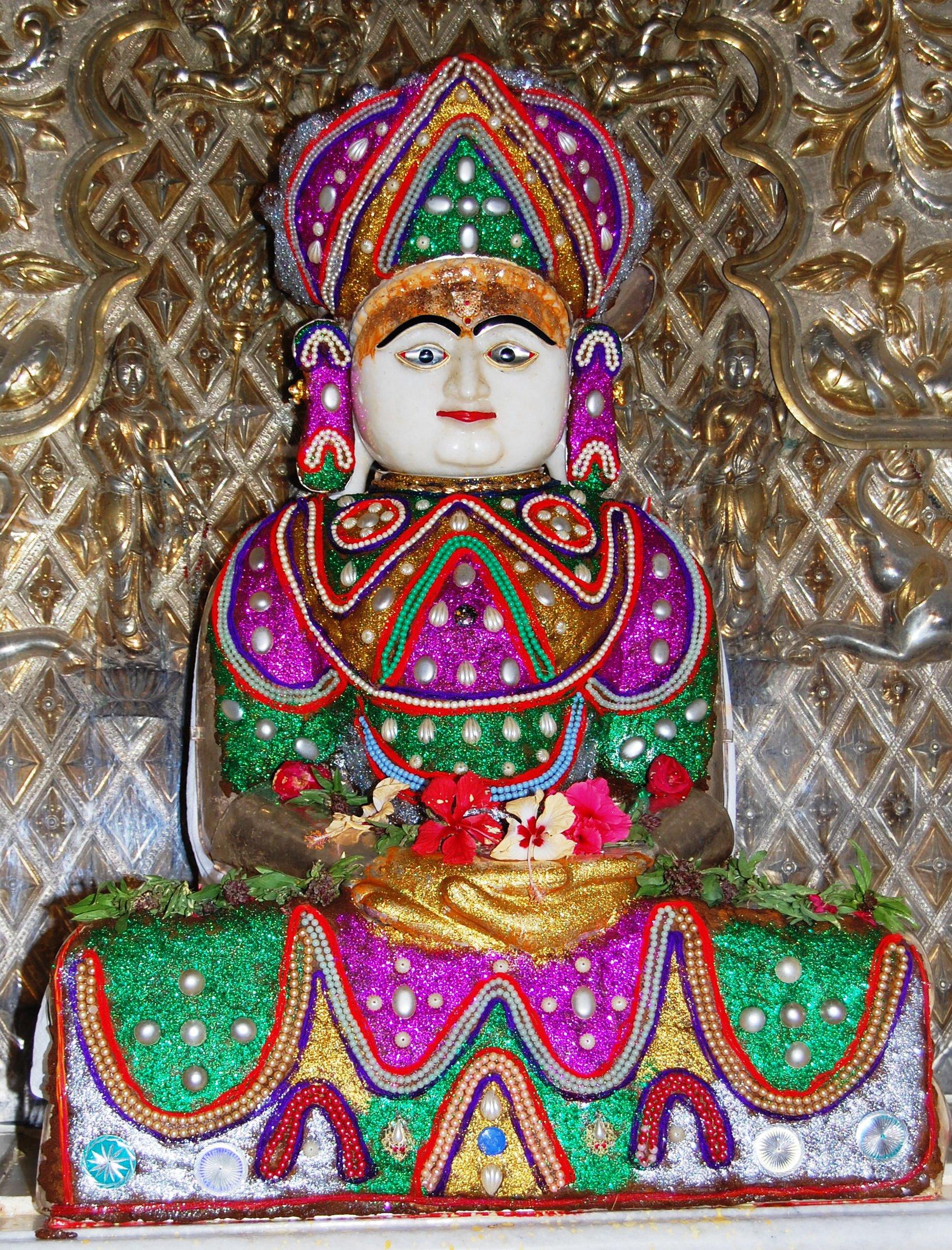 File:Sri Adinath Bhagwan, Santhu.jpg - Wikimedia Commons