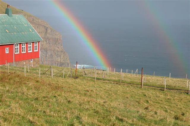 File:Suðuroy Færøerne rainbow1.jpg