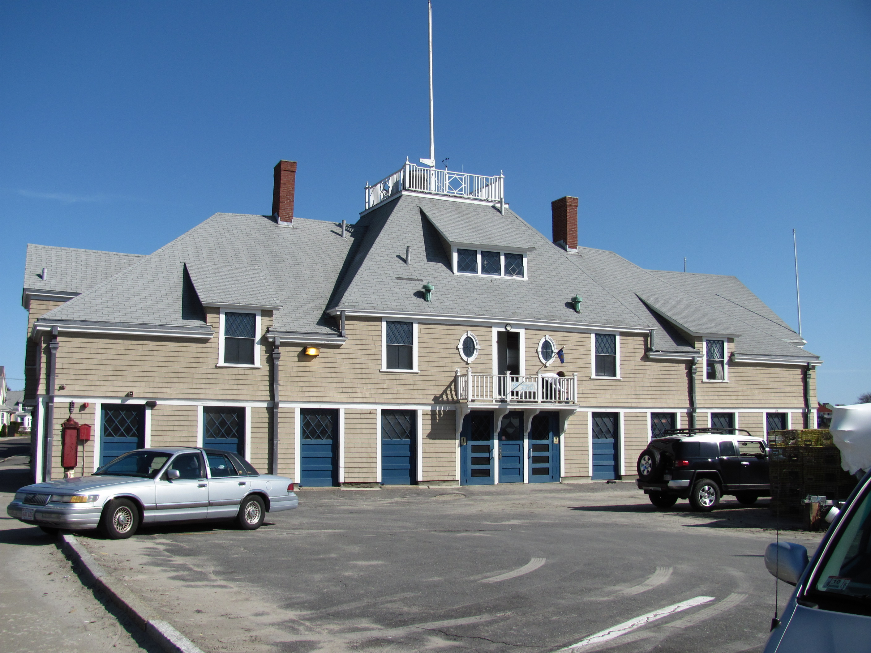 File swampscott fish house wikimedia commons for Building a house in ma