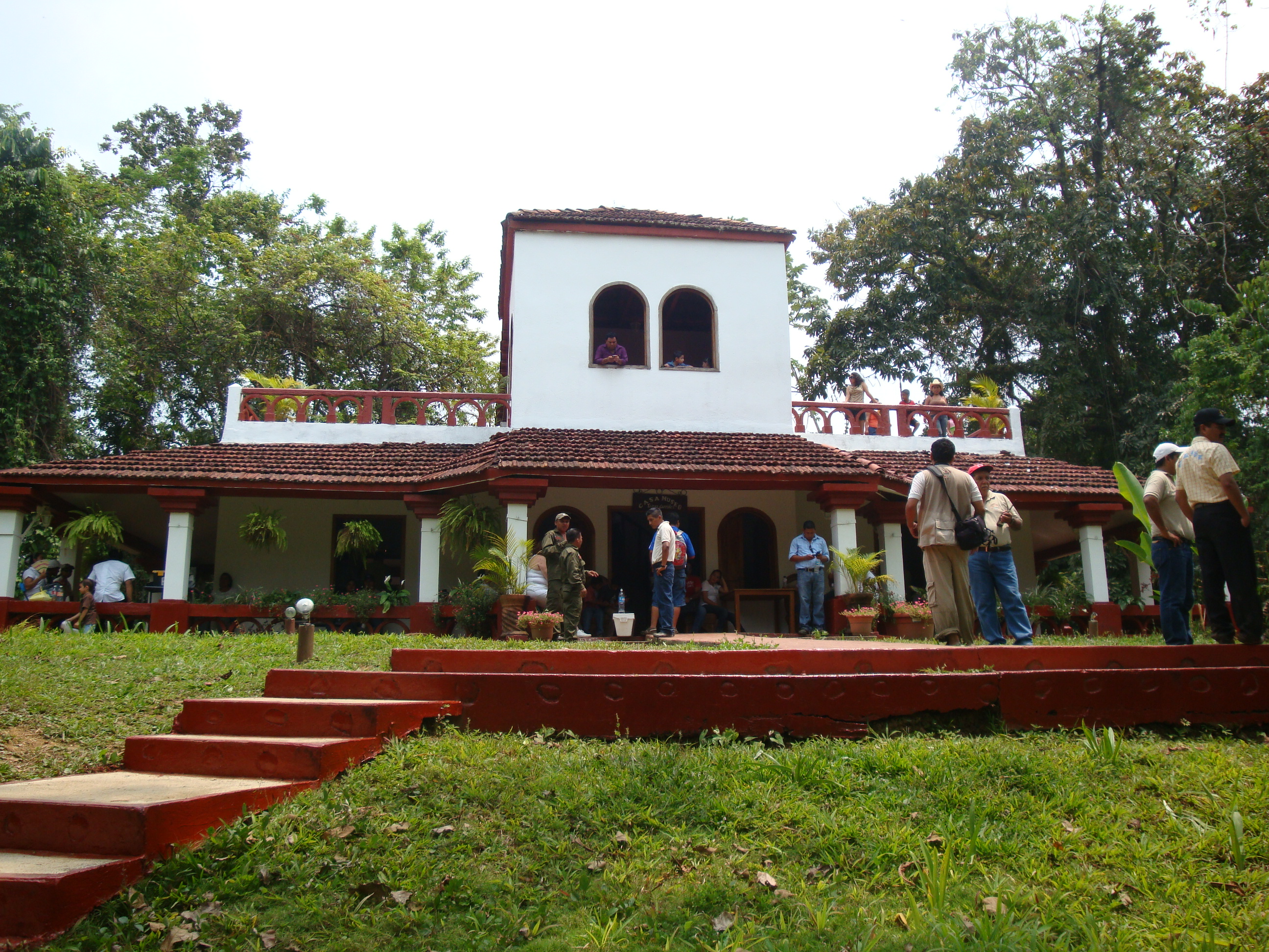 File:Tacotalpa.Villa Luz 1.JPG - Wikimedia Commons