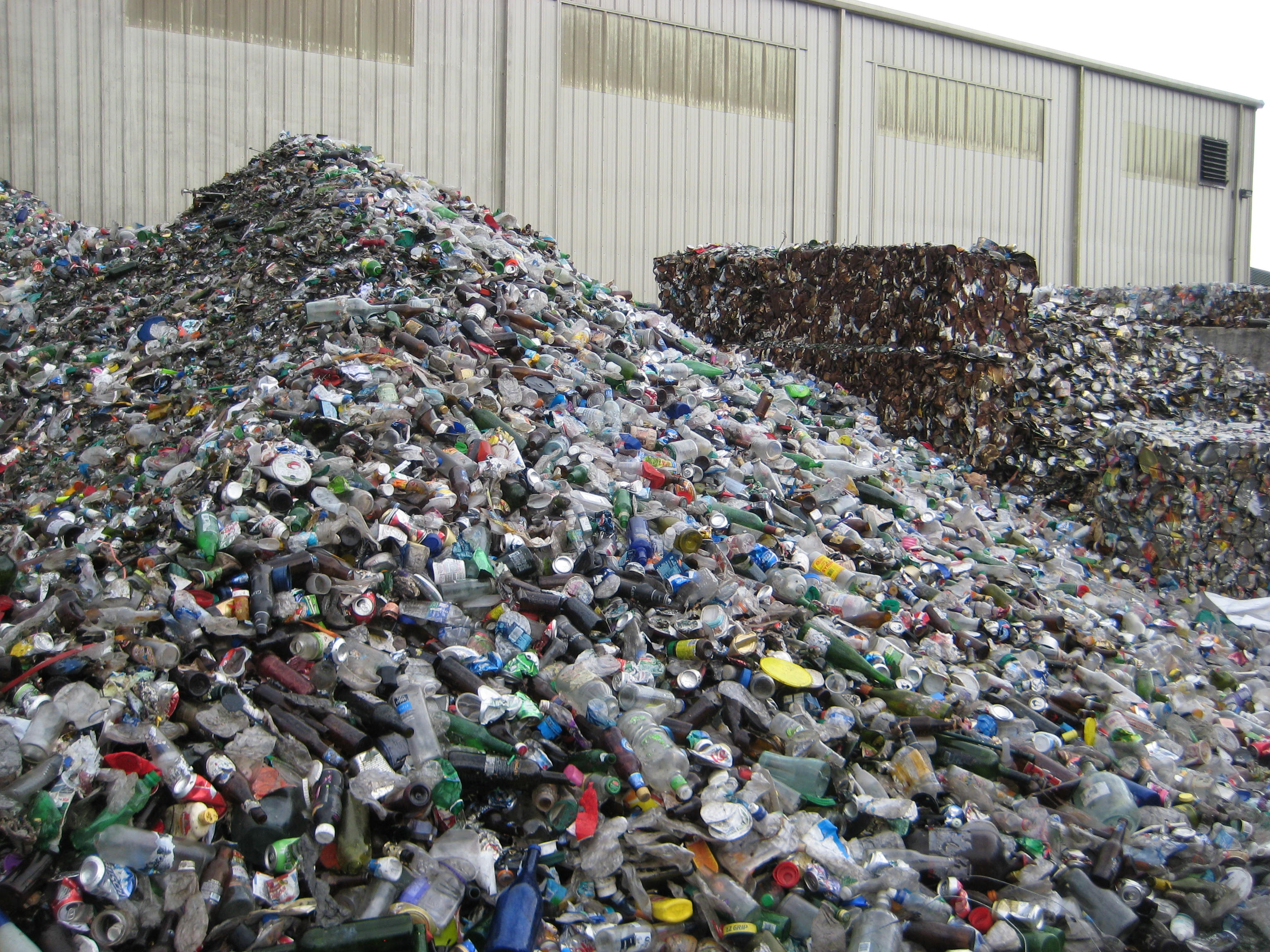 File:Transfer Station Recyclables, Gainesville, FL 7054 ...