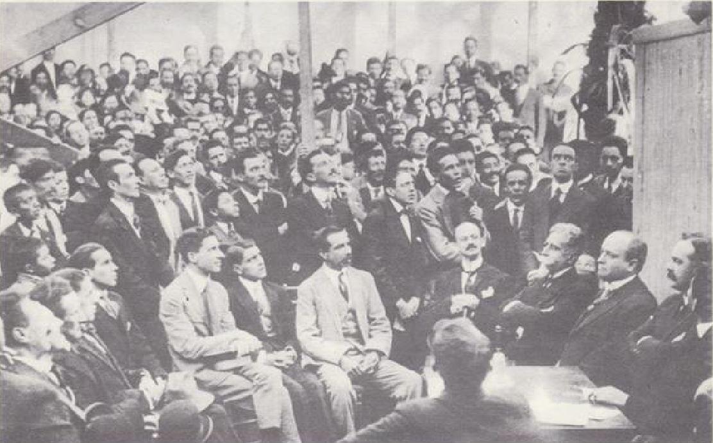 Miembros del Partido Unionista en la Casa de Partido en 1920
