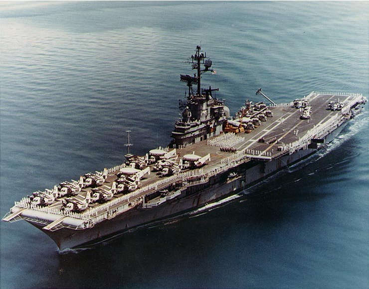 File:USS Ticonderoga (CVS-14) passing through Sunds Strait on 24 April 1971 (NH 97488-KN).jpg