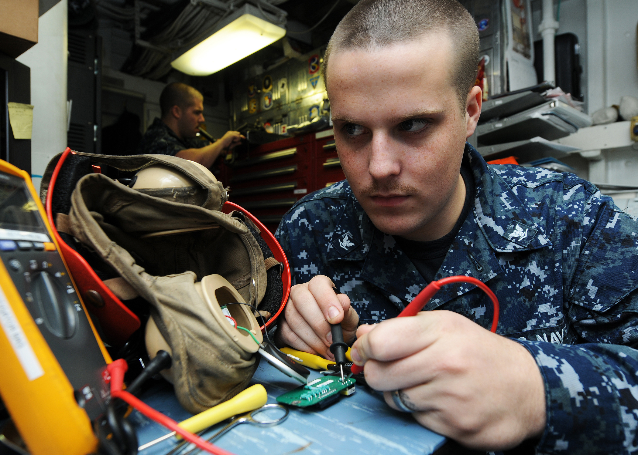 the job description of a us navy Rating description the following civilian credentials are related to ic-interior communications electrician enlisted active duty and reserve us navy.