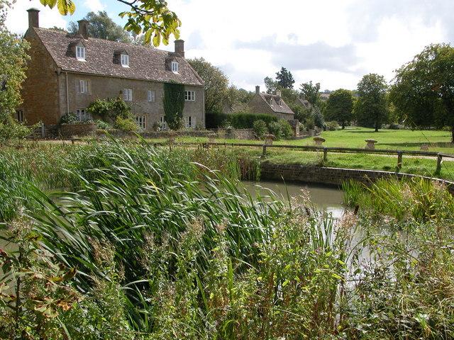 Village Pond, Wyck Rissington - geograph.org.uk - 233599