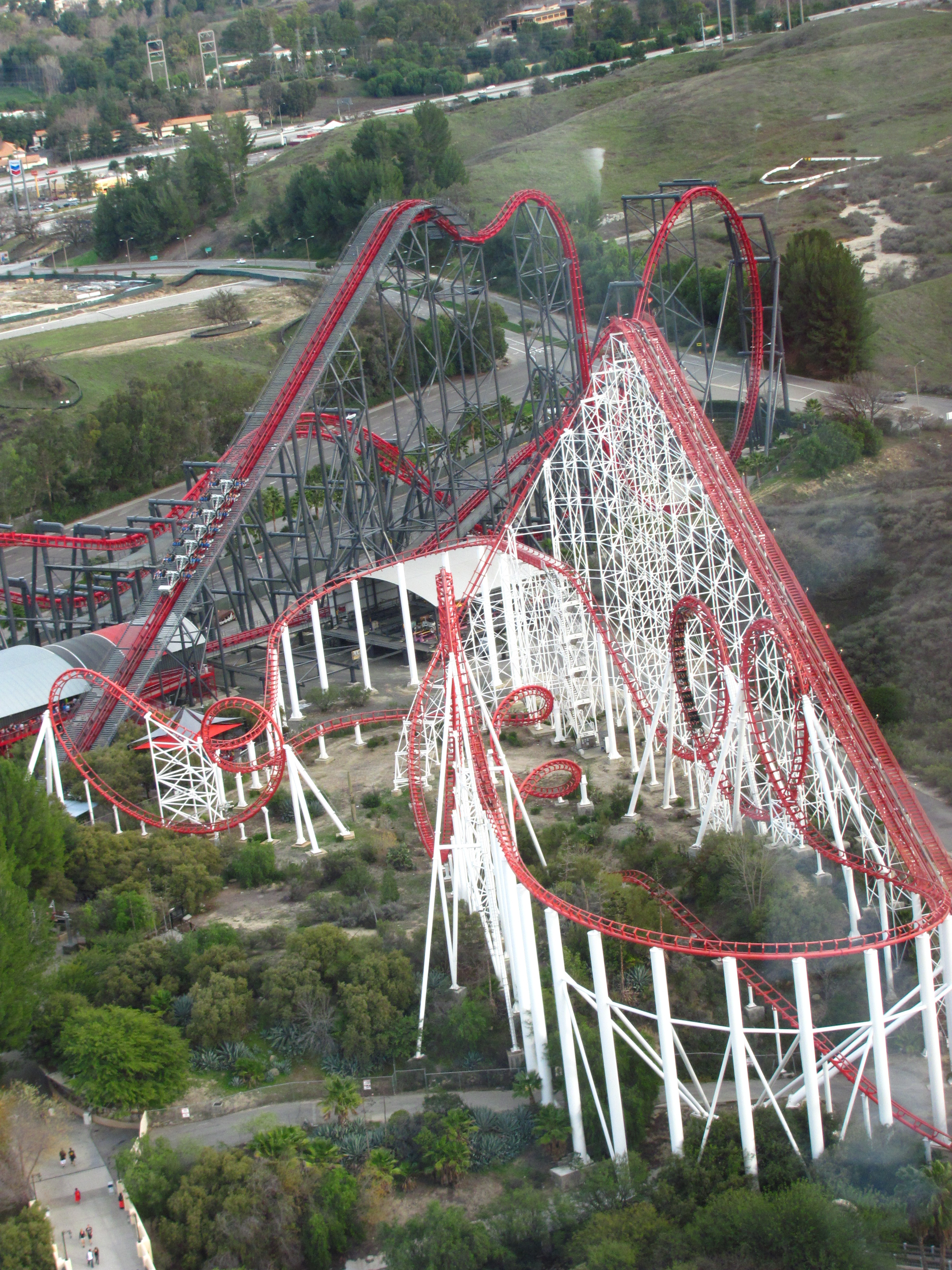 File:X2 and Viper at Six Flags Magic Mountain 2.jpg