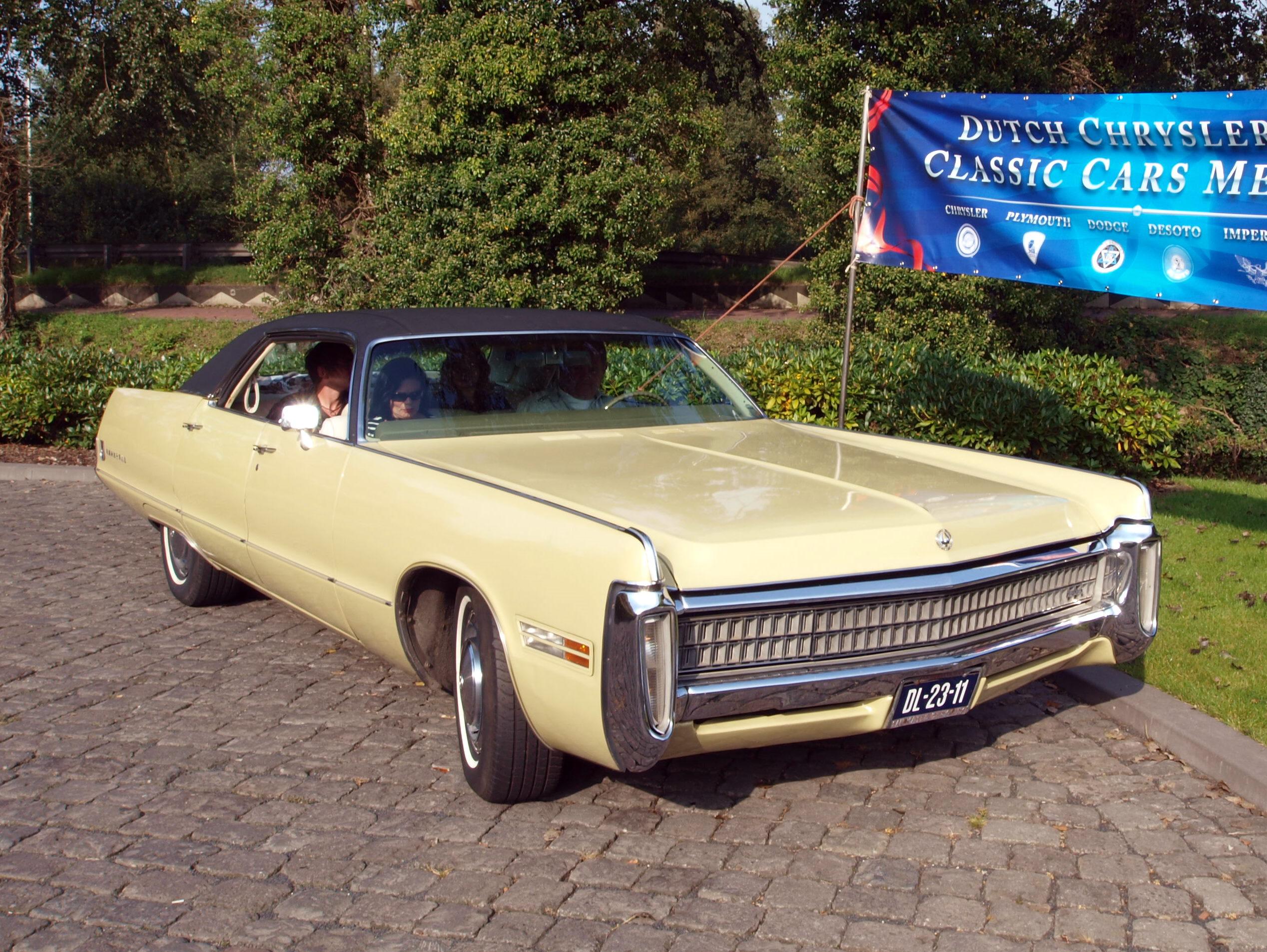 File:1972 Chrysler Imperial Le Baron photo-5.JPG - Wikimedia Commons
