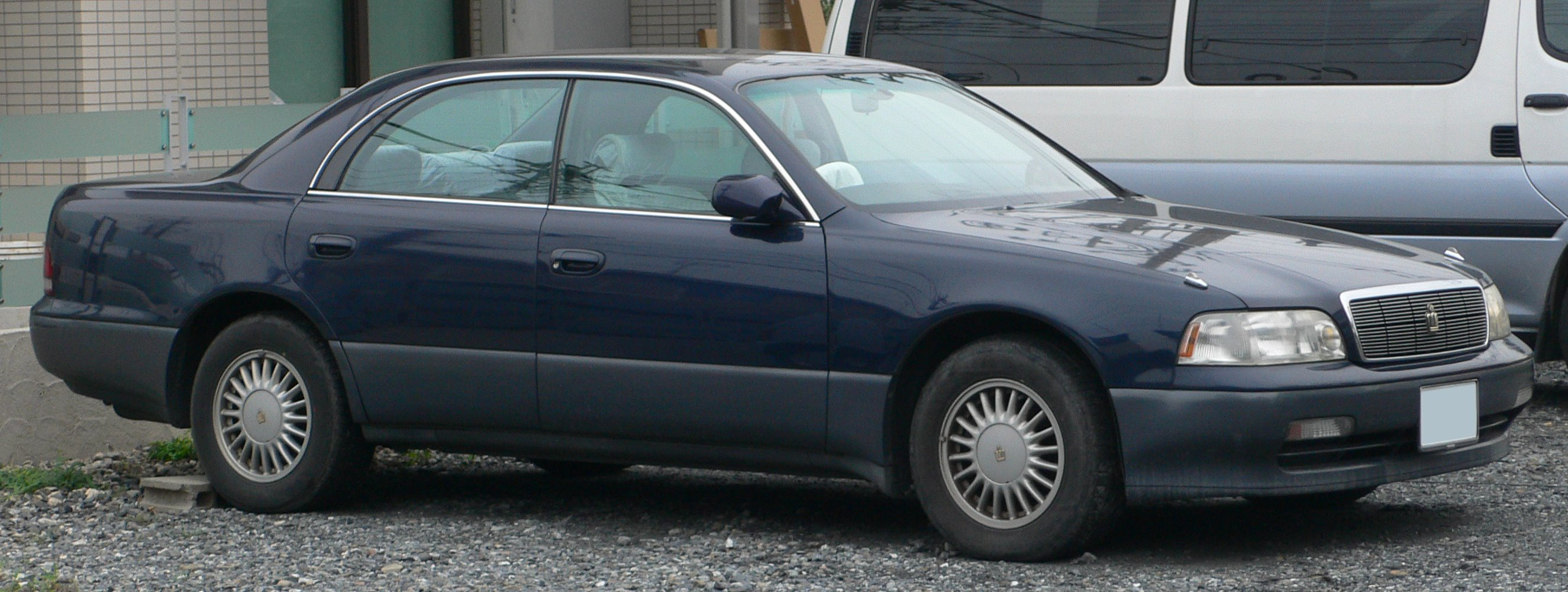 Description 1991 Toyota Crown-Majesta 01.jpg