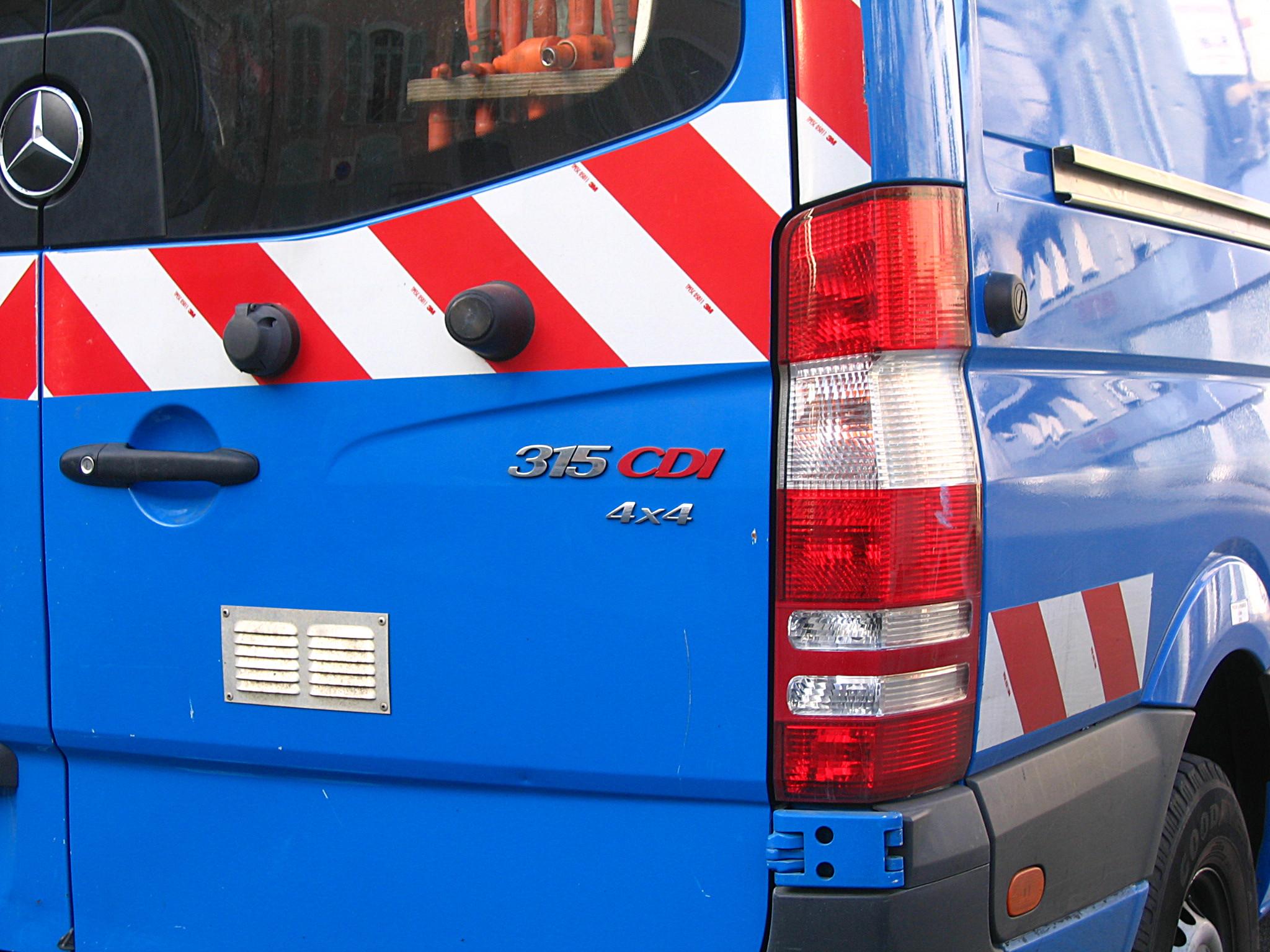 file200614 4wd mercedesbenz sprinter logojpg