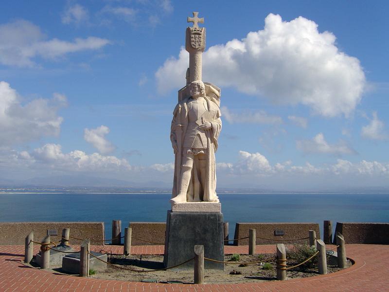 Resultado de imagem para Monumento a Cabrilho