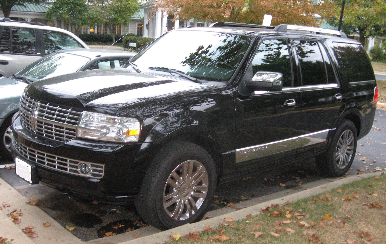 Range Rover Black >> File:3rd-Lincoln-Navigator.jpg - Wikimedia Commons