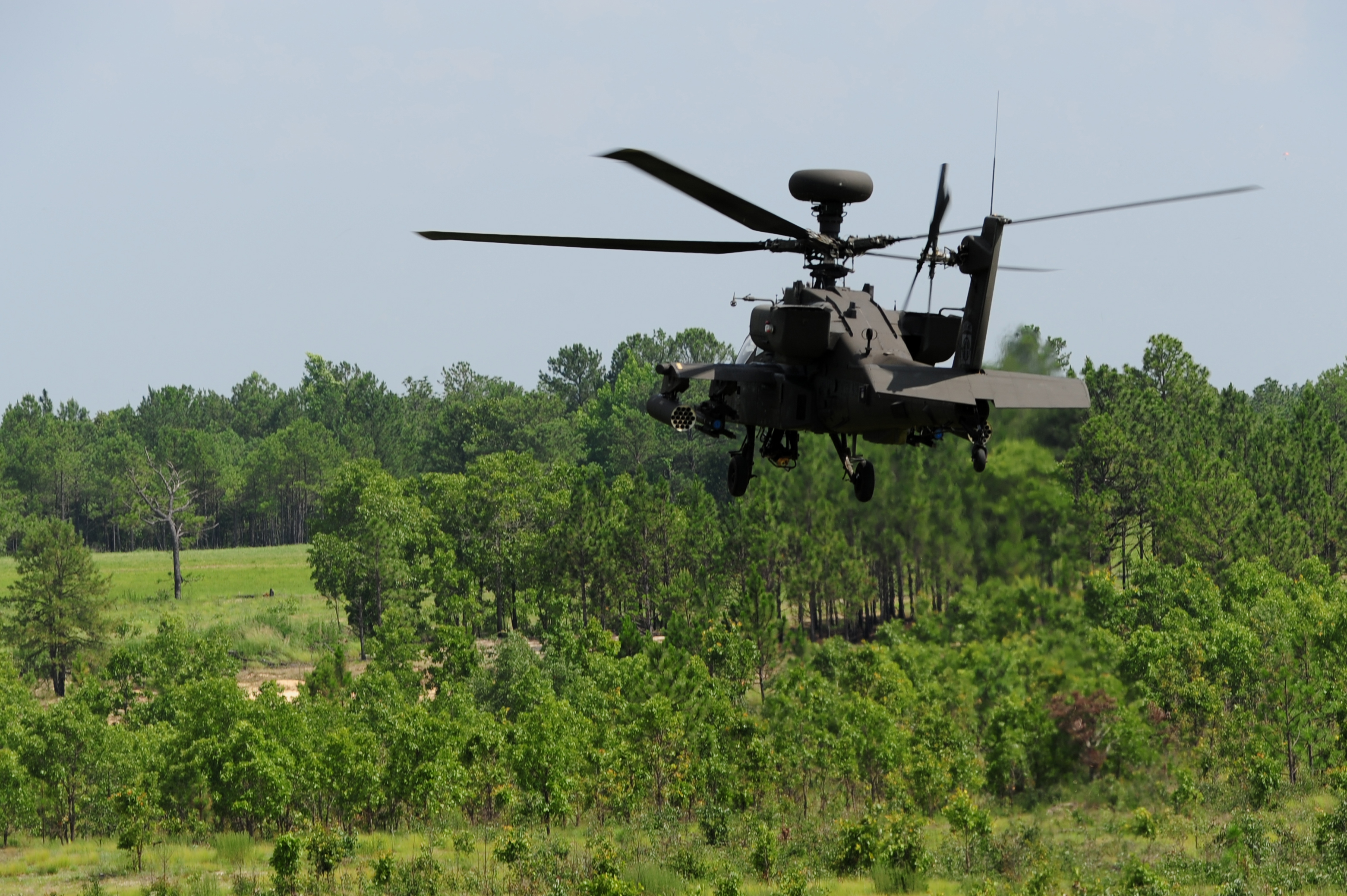 ah64 helicopter with File A U S  Army Ah 64d Apache Longbow Helicopter Assigned To The 82nd  Bat Aviation Brigade Flies Toward A Target June 28  2013  During A Live Fire Mission As Part Of Joint Operational Access Exercise  Joax  13 03 130628 F Wj663 584 on Ah 64a further Shownews906727 together with Ah 64e images further Apache Helicopter Firing Missiles as well Apache 2003 3 16.