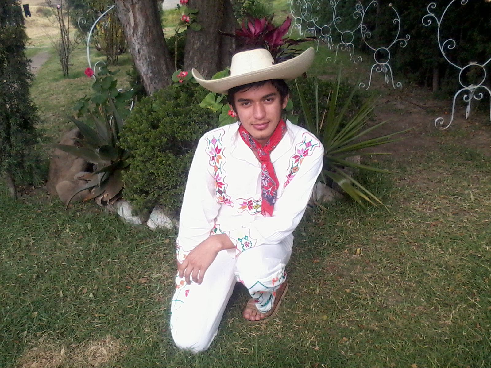 File:A typical mexican dress for men.jpg - Wikimedia CommonsMexican Traditional Clothing For Boys