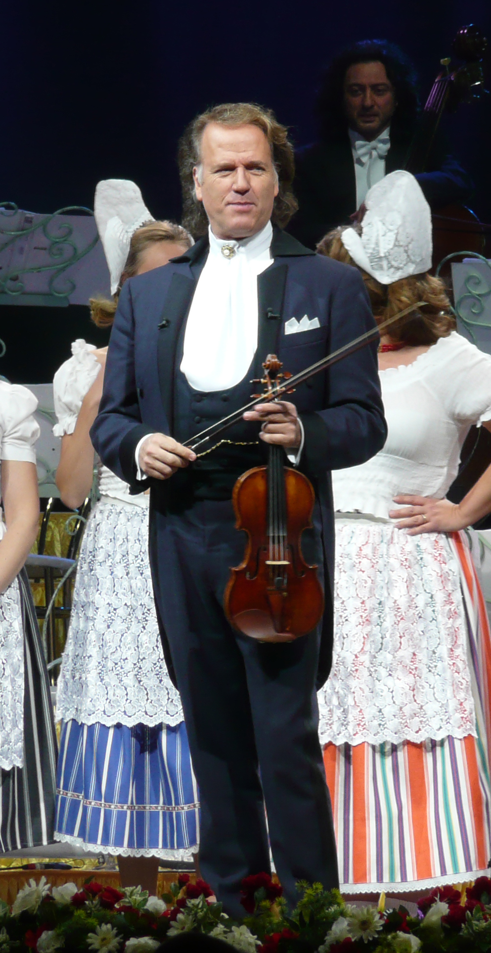 The 69-year old son of father André Rieu sr. and mother(?) André Rieu in 2018 photo. André Rieu earned a 0.271 million dollar salary - leaving the net worth at 40 million in 2018