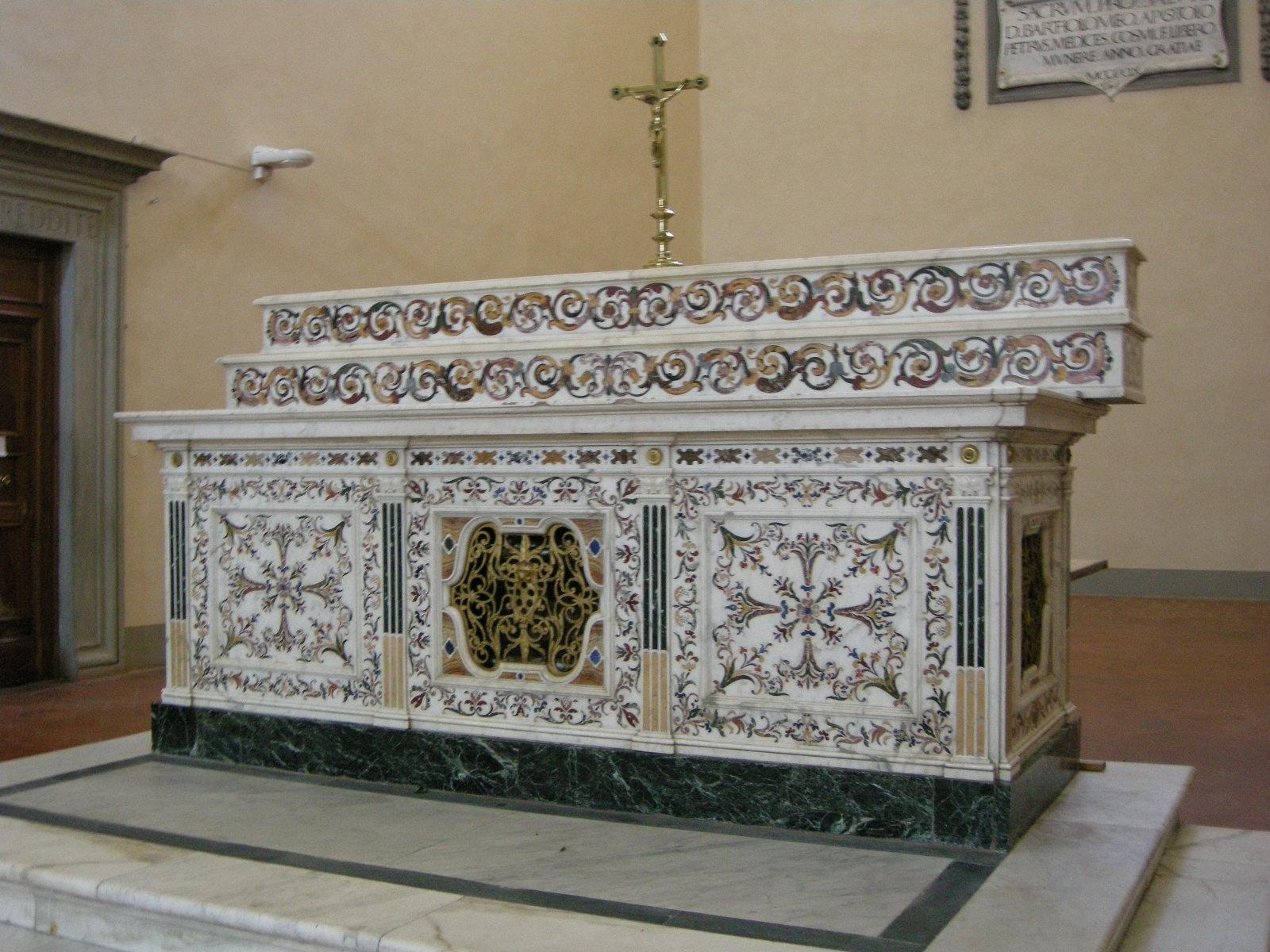 Badia Fiesolana, interno, altare maggiore di Giovan Battista Cennini su disegno di Pietro Tacca, 1610