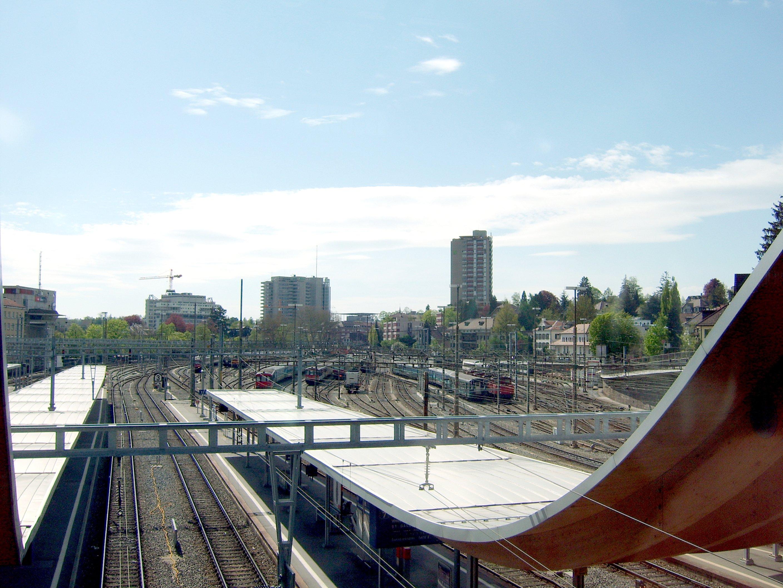 File:Bern Bahnhof.jpg - Wikimedia Commons